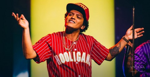 Bruno Mars segue no Top 5 da Billboard Hot 100