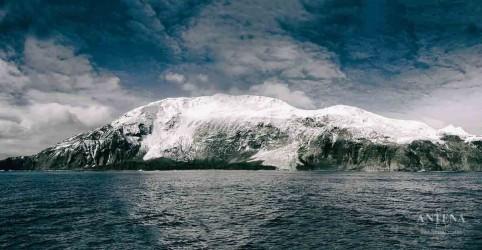 Placeholder - loading - Imagem da notícia Conheça uma das ilhas mais remotas do mundo