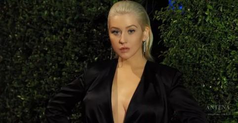 Christina Aguilera canta hits em Carpool Karaoke