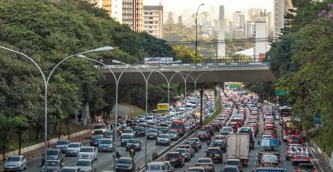 Maioria dos brasileiros leva mais de uma hora para chegar no trabalho