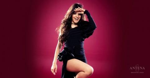 Placeholder - loading - Imagem da notícia Disco de Camila Cabello no topo da Billboard