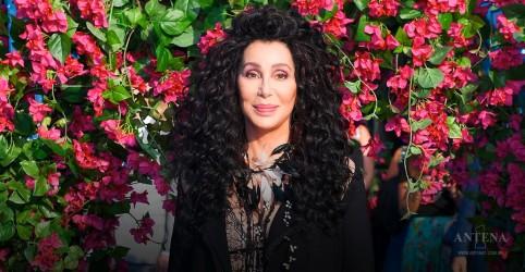 """Cantoras estrelam o clipe de """"SOS"""", de Cher; confira"""