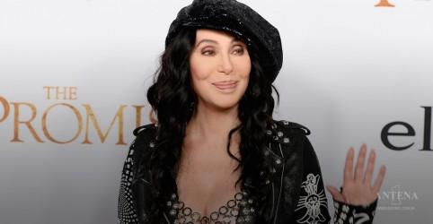 """Placeholder - loading - Imagem da notícia Assista ao trailer de """"Mamma Mia"""" com Cher"""