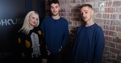 Placeholder - loading - Imagem da notícia Trio britânico Clean Bandit lança novo clipe