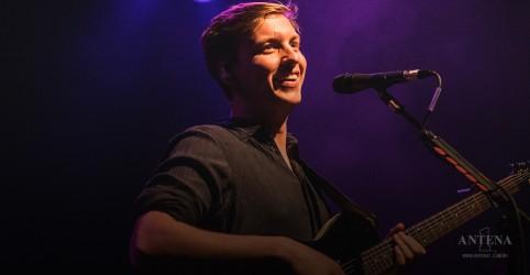Placeholder - loading - George Ezra publica momentos de sua atual turnê; assista