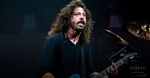 Placeholder - loading - Dave Grohl perde a voz e adia shows