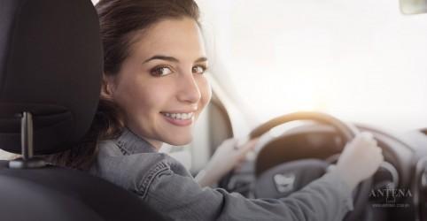 Segundo estudo, mulheres são melhores motoristas do que os homens