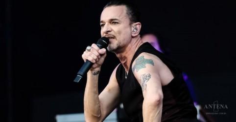 Placeholder - loading - Imagem da notícia Depeche Mode faz apresentação em São Paulo