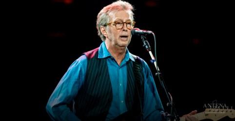 Placeholder - loading - Imagem da notícia Eric Clapton faz show emocionante em Londres