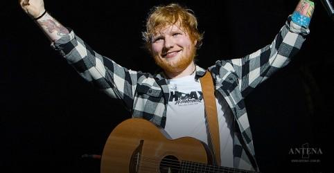 Placeholder - loading - Imagem da notícia Ed Sheeran revela admiração por Adele