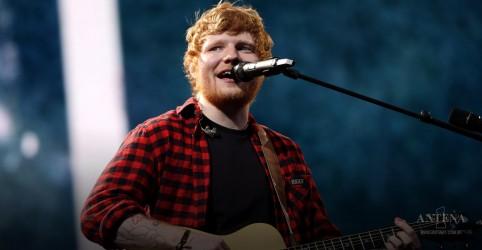 Placeholder - loading - Imagem da notícia Ed Sheeran em tributo à Elvis Presley