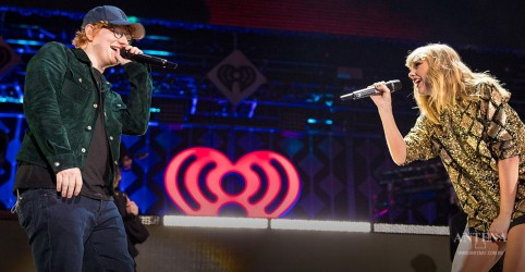 Placeholder - loading - Taylor Swift e Ed Sheeran fazem performance juntos; assista
