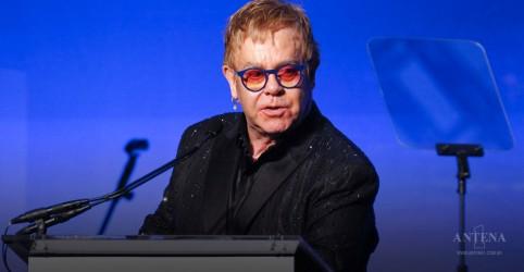 Elton John afirma que amigos falecidos o inspiram a lutar contra Aids