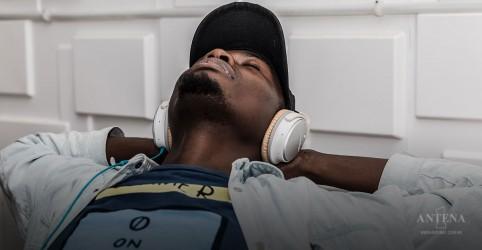 Placeholder - loading - Imagem da notícia Ouvir música pode diminuir o estresse