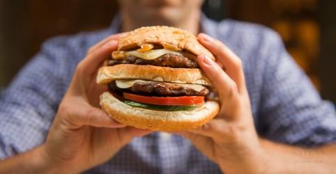 Como resistir a vontade de comer fast-food