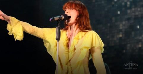 """Placeholder - loading - Imagem da notícia """"Silver Springs"""" ganha cover de Florence Welch"""