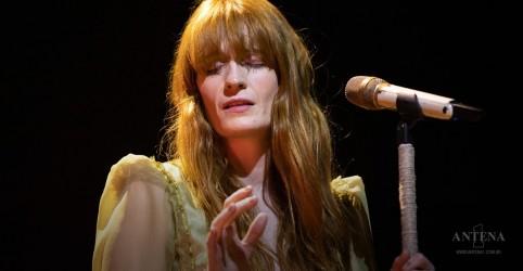 Placeholder - loading - Imagem da notícia Ouça canção de Florence Welch para Game of Thrones