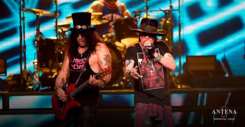Placeholder - loading - Veja o Guns N 'Roses tocar November Rain no primeiro show da Era Covid