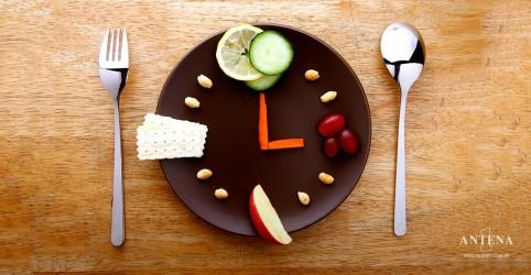 Placeholder - loading - Imagem da notícia Comer no momento certo ajuda a não engordar