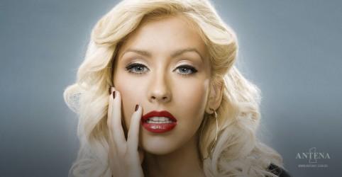 """Placeholder - loading - Imagem da notícia Christina Aguilera: 10 anos do lançamento de """"Bionic"""""""