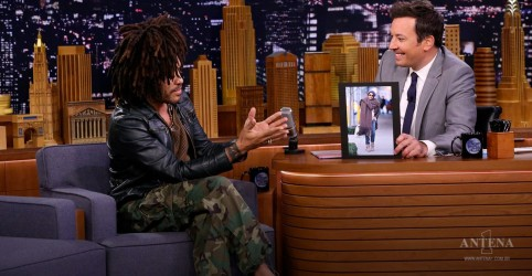 "Placeholder - loading - Imagem da notícia Lenny Kravitz performa ""Believe"" no The Tonight Show"