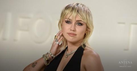 """Placeholder - loading - Imagem da notícia Miley Cyrus sobre dia 4 de julho nos EUA: """"Nem todos têm liberdade aqui"""""""