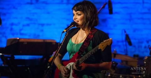 Placeholder - loading - Imagem da notícia Norah Jones lança videoclipe de To Live