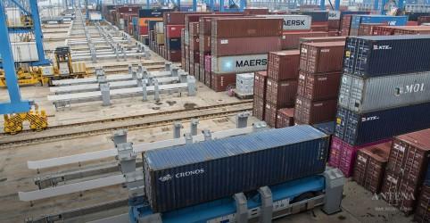 Placeholder - loading - Imagem da notícia Conheça porto robotizado em funcionamento na China