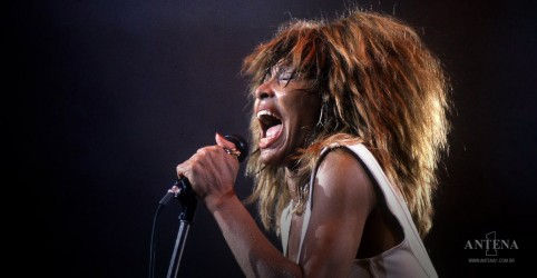 Placeholder - loading - Tina Turner fala sobre temas fortes em novo trailer de Tina