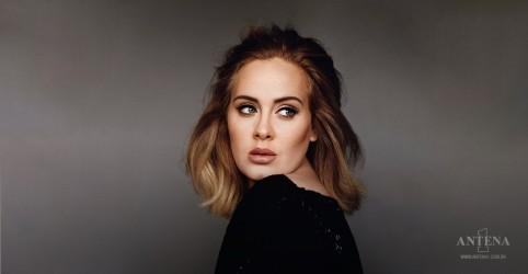 Placeholder - loading - Imagem da notícia Adele homenageia álbum visual de Beyoncé nas redes sociais