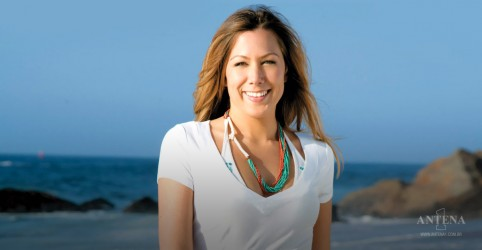 Placeholder - loading - Colbie Caillat anuncia saída da banda country-pop 'Gone West'