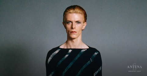 Placeholder - loading - Demo rara de David Bowie será leiloada