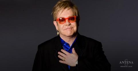 """Placeholder - loading - Imagem da notícia Elton John celebra 30 anos de sobriedade: """"Sem ajuda, estaria morto"""""""
