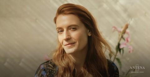 Placeholder - loading - Imagem da notícia Hoje é aniversário de Florence Welch