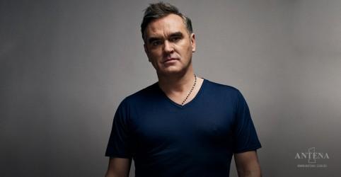 """Placeholder - loading - Imagem da notícia Morrissey pede a fãs que rezem por sua mãe: """"Sem ela, o amanhã não existe"""""""