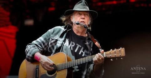 Placeholder - loading - Neil Young processará Trump por uso desautorizado de suas músicas em comícios