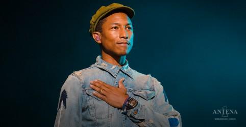 Placeholder - loading - Imagem da notícia Pharrell Williams e outros artistas lembram de jovem negro morto pela polícia