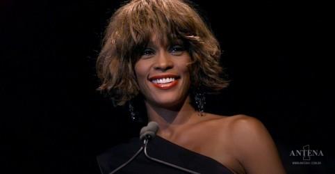 Placeholder - loading - Imagem da notícia Hit de Whitney Houston ultrapassa 1 bilhão de acessos no YouTube