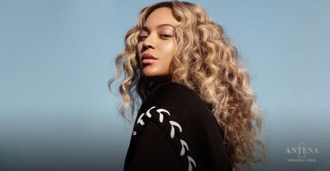 Placeholder - loading - Imagem da notícia Beyoncé faz parceria com empresa para honrar alunos universitário
