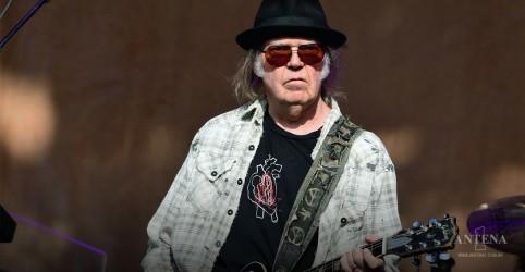 Placeholder - loading - Imagem da notícia Neil Young lança o álbum/ filme Crazy Horse Live em fevereiro