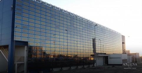 Placeholder - loading - Imagem da notícia Antena 1 parabeniza CAOA por maior fachada de energia limpa do mundo