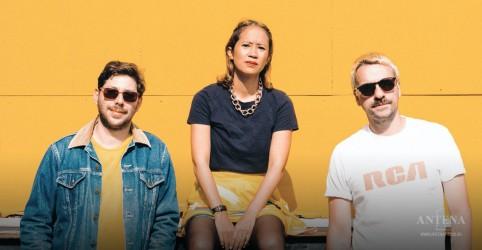 Placeholder - loading - Le Couleur dá detalhes de novo álbum e fala sobre desejo de vir ao Brasil