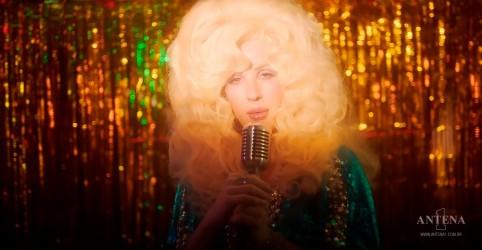 Placeholder - loading - Imagem da notícia Ellie Goulding particpa em novo vídeo da música New Love