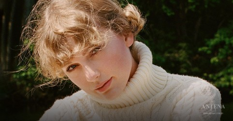 """Placeholder - loading - Imagem da notícia """"Folklore"""", de Taylor Swift, ultrapassa um milhão de cópias nos EUA"""