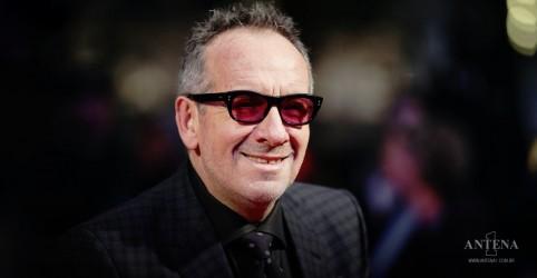 Placeholder - loading - Imagem da notícia Elvis Costello apresenta novos singles em programa de TV
