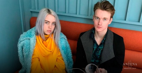 Placeholder - loading - Billie Eilish e Finneas apresentam trailer The World's a Little Blurry