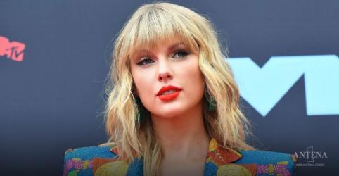 Placeholder - loading - Imagem da notícia Taylor Swift: Teaser de primeira canção regravada é lançado