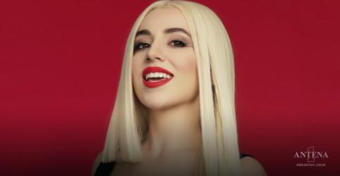 Placeholder - loading - Imagem da notícia Ava Max lança single natalino; ouça