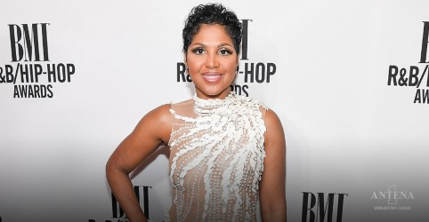 "Placeholder - loading - Toni Braxton lança vídeo cinematográfico para ""Gotta Move On""; assista"