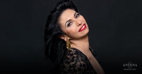 Placeholder - loading - Imagem da notícia VÍDEO: Laura Fygi lança 17º álbum e revela desejo de gravar com Gal Costa